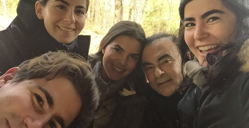 Carlos Ghosn with children: Anthony (front), Nadine (back), Caroline (center), and Maya (front right). Copyright: Ghosn's family
